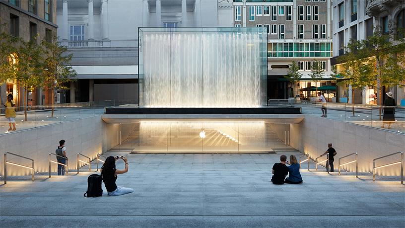 شعبه جدید فروشگاه تجاری برند اپل در شهر میلان