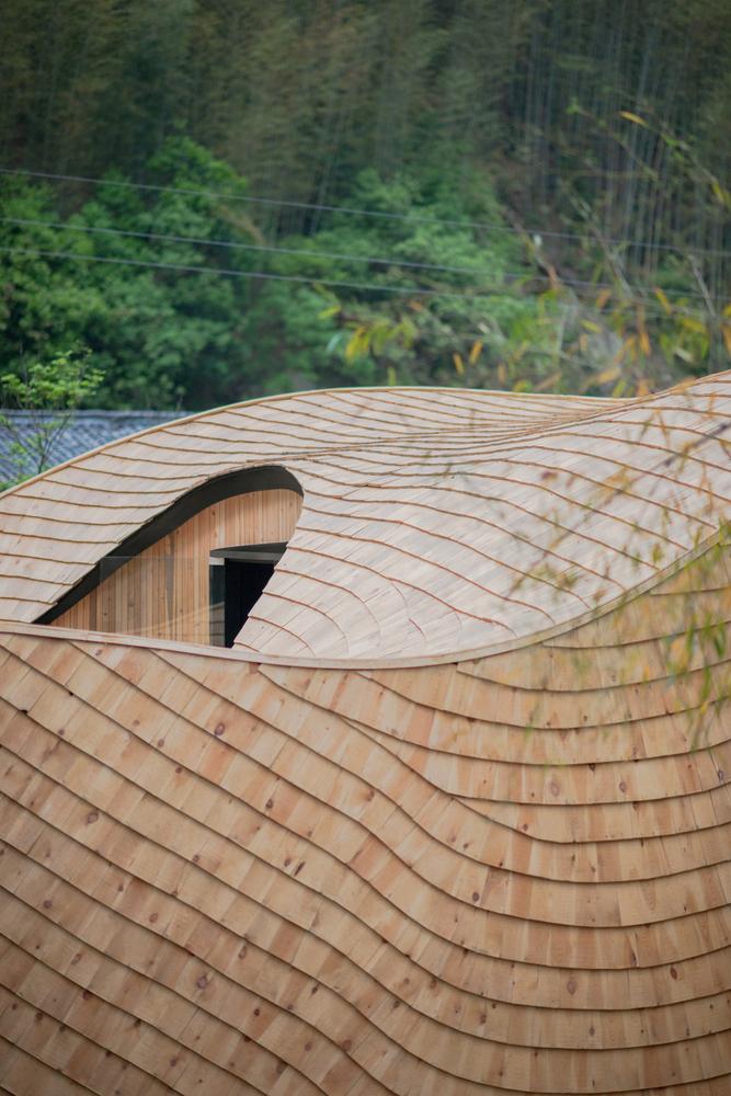طراحی خانه درختی سبز توسط گروه معماریMONOARCHI