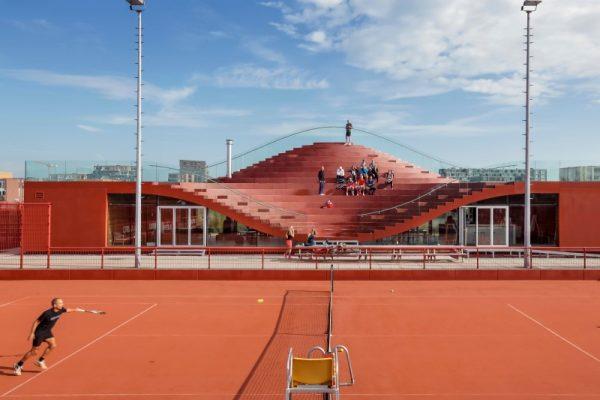 مکانی برای گردهمایی، استراحت و تفریح ؛ طراحی باشگاه تنیس آمستردام