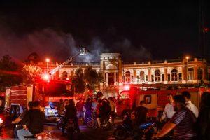 در آتشسوزی میدان حسنآباد تهران چه چیزهایی سوخت؟