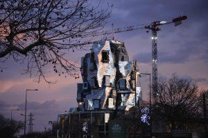 تصاویری جدید از برج آلومینیومی طراحی شده توسط فرانک گری