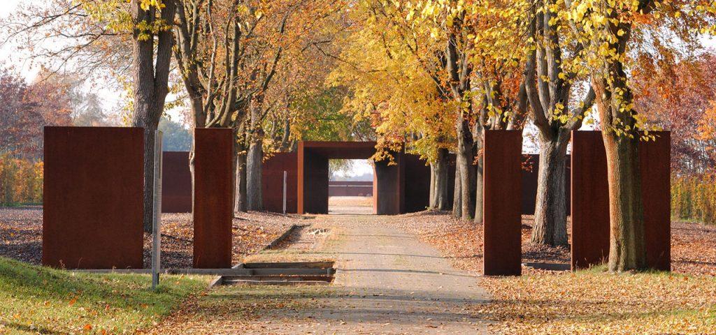 طراحی یادمان قربانیان اردوگاه های کار اجباری در اردوگاه استروگن