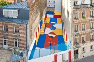 طراحی زمین بسکتبال رنگارنگ در پاریس با الهام از یک تابلو نقاشی
