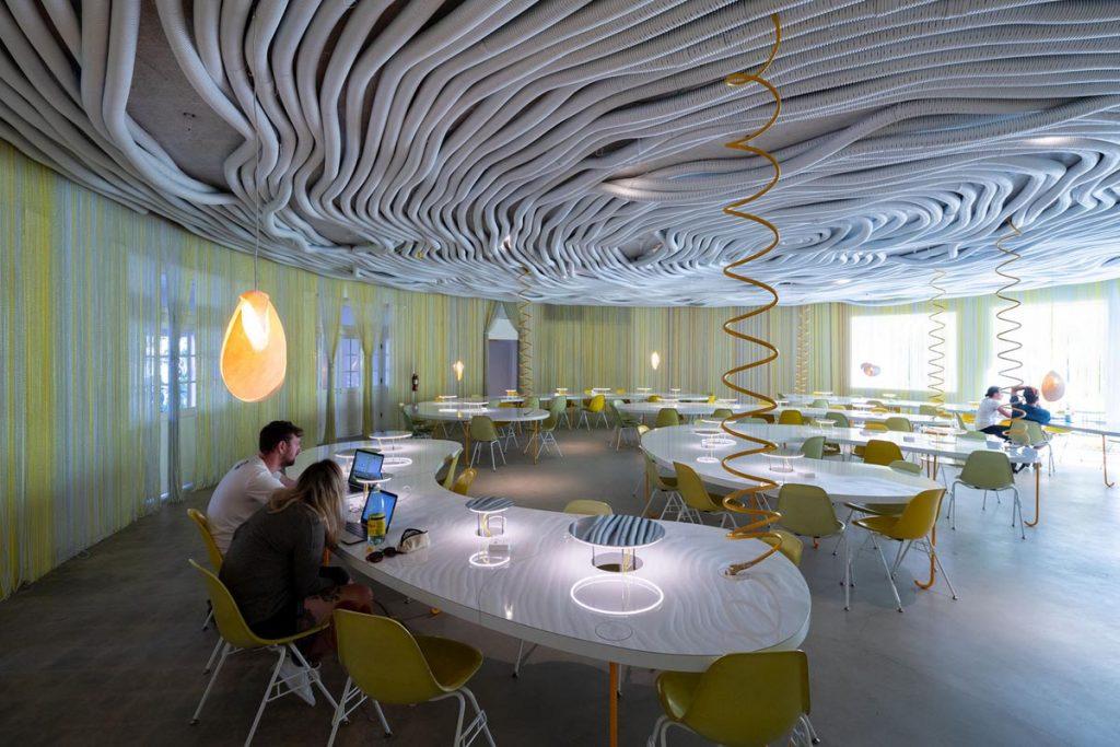 طراحی دفتر کار در داخل باغ ؛ دفتر کار خانه دوم در هالیوود
