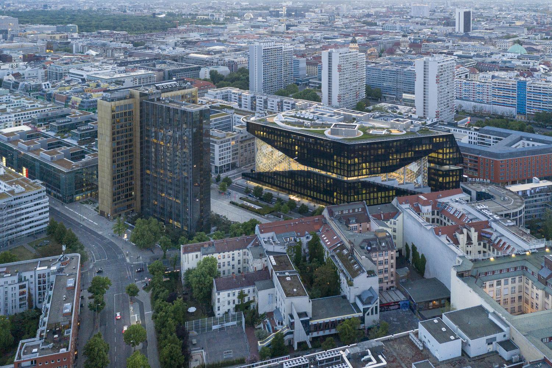ساختمان اداری انتشارات Axel Springer ؛ نمادی برای تغییر